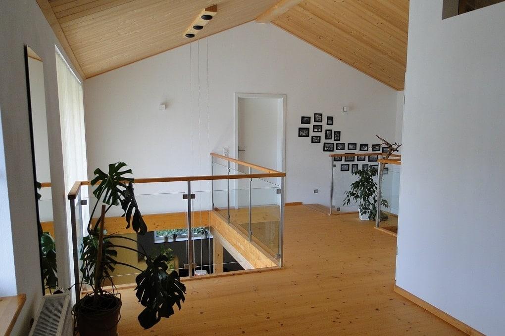 Galerie und Luftraum über dem Essbereich