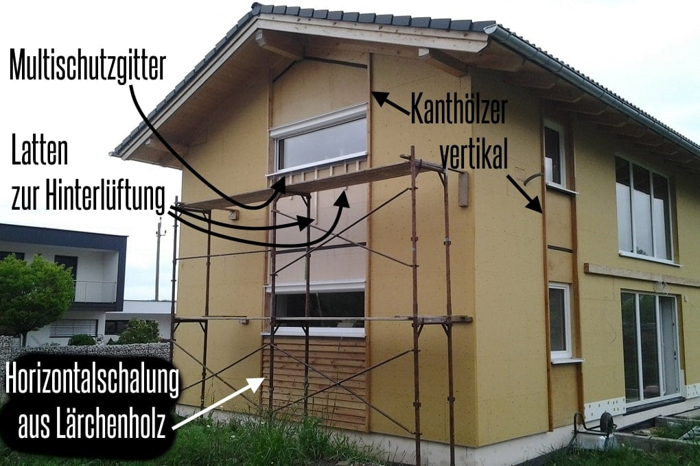 selbst gebaute Holzfassade