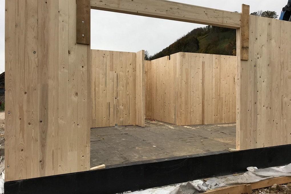 Holzmassivbau - Außenwände aus Brettsperrholzplatten (BSP)