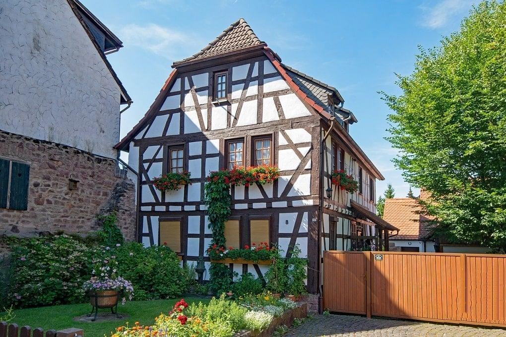 Altes Fachwerkhaus in Holzskelettbauweise